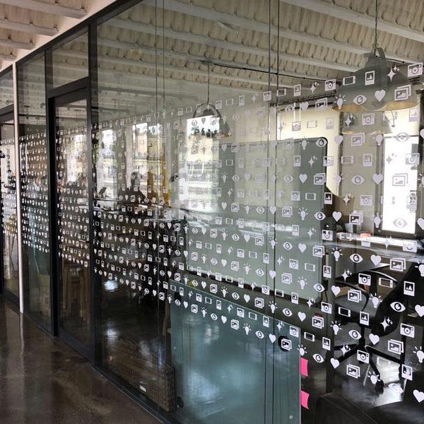 vitrophanie bureau
